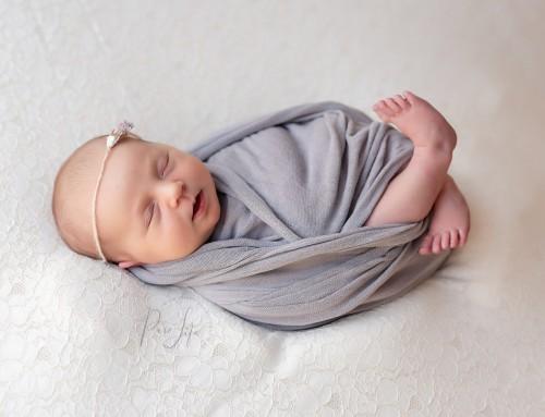 Welkom Félien, een newborn fotoshoot aan huis in Grembergen!