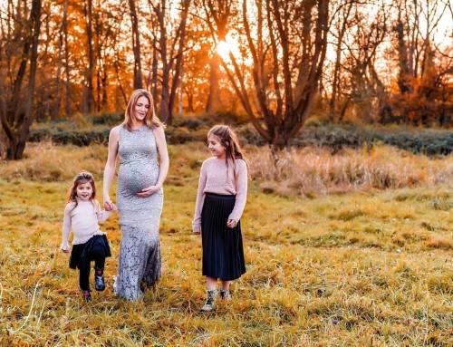 Een superleuke zwangerschaps- & gezin fotoshoot in de Hobokense Polders, Antwerpen!