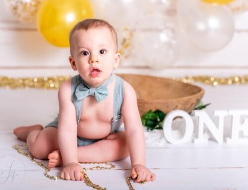 Een spetterende 1ste verjaardag smash the cake fotoshoot met Milian!