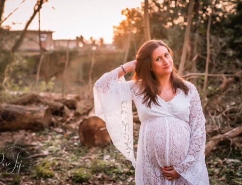 Een fijne golden hour zwangerschapsfotoshoot met Margaux!